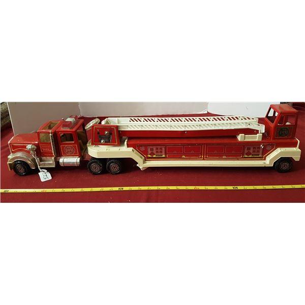 """1980's Tonka Hook & Ladder Firetruck 33"""" Long"""