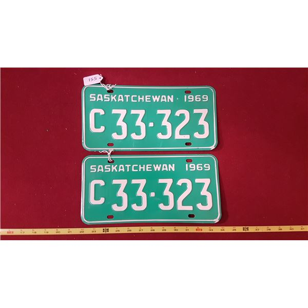 1969 C33.323 Licence Plate Pair