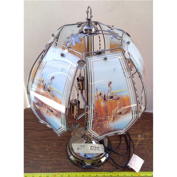 Touch Lamp with Glass Ducks Shade