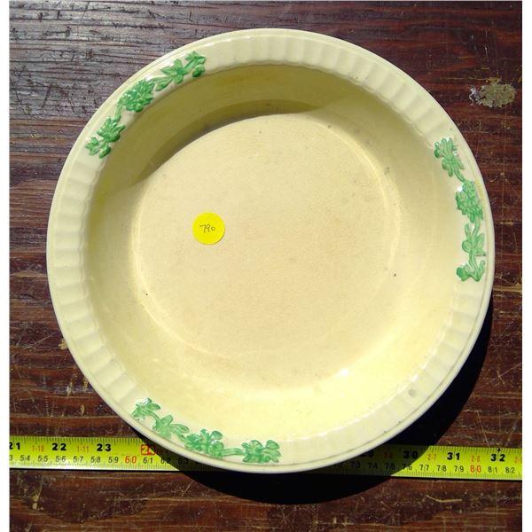 "1 - 9"" Pie Plate - Yellow & Green - No Markings"