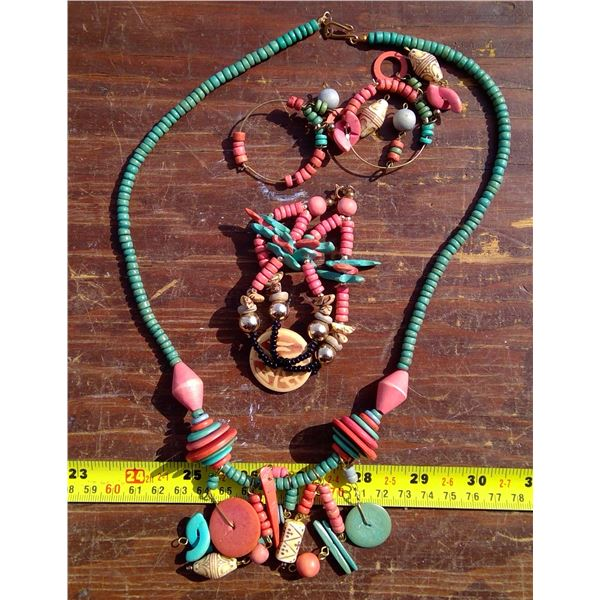 1 Necklace, Bracelet, Earring Set