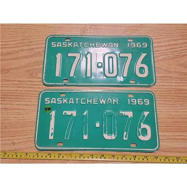 Pair of matched 1969 Saskatchewan license plates