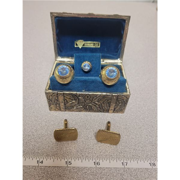 Blue crystal cuff linkn & tie clip set, gold engraved cuff links in case