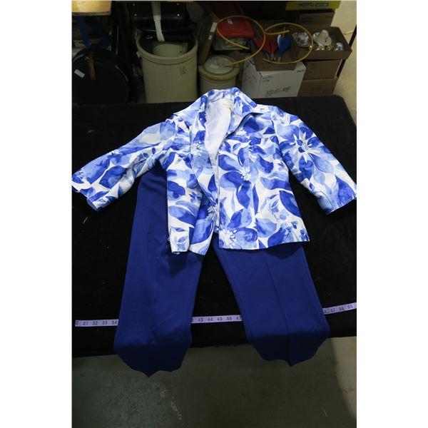 #1260 - Tan Jay Petite Sz8 Pants and Tan Jay Petite Sz14 Jacket like top - Like New