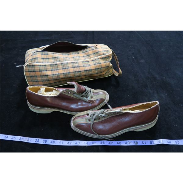 #1265 - Vintage Pair of Bowling Shoes MGB Stamped on Bottom Sz9 in Carry Bag