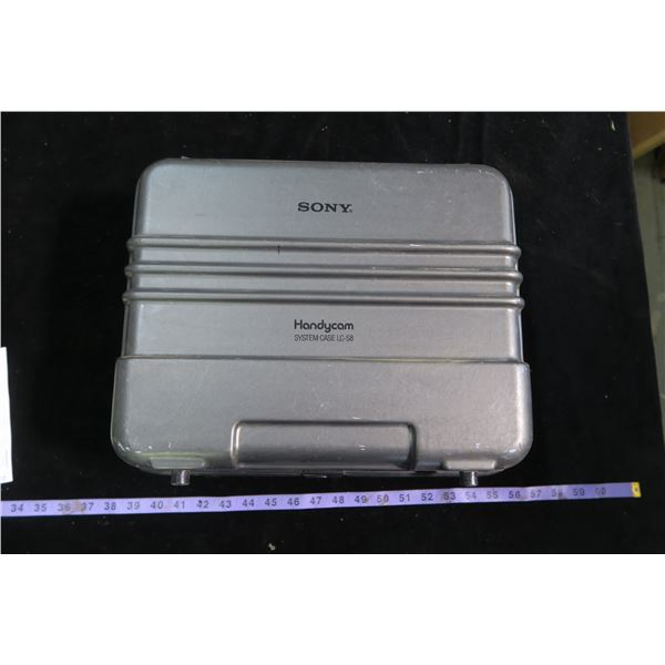 Sony handycam w/ Case and accessories