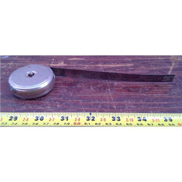 1 Metal Retractable Tape Measure