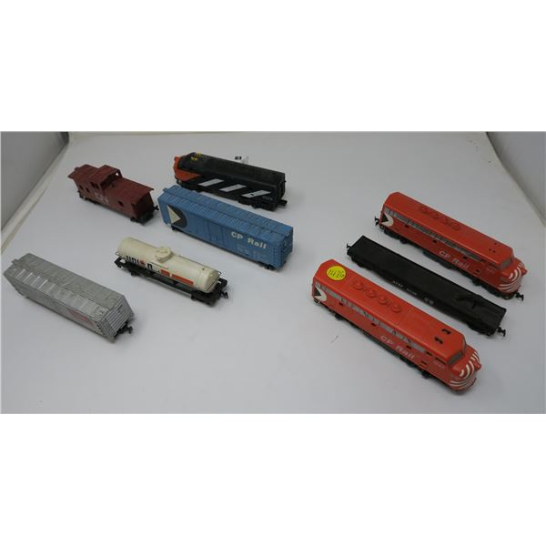 Tyco Electric Train Set - (Tyco Engine and 4 pieces),(COX Engine X2 and 1 Piece) with 899V Hobby Tra