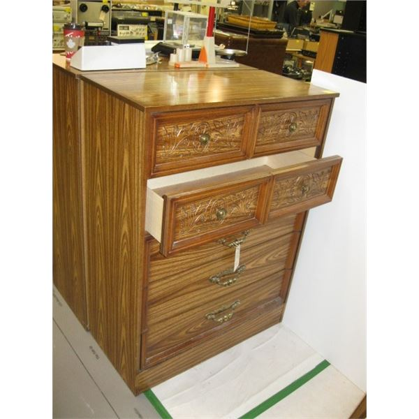 5 DRAWER CHEST OF DRAWERS