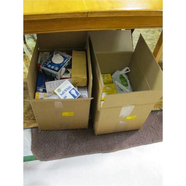 2 BOXES OF LIGHT BULBS