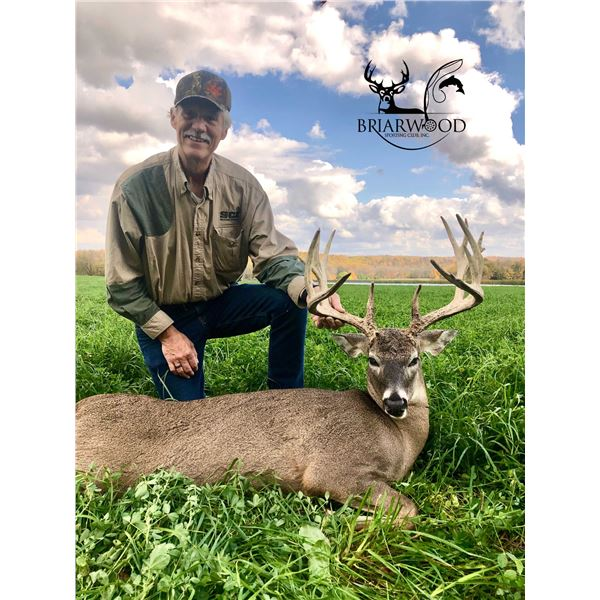 Ohio: Five-Star Ohio Whitetail Hunt for Two Hunters
