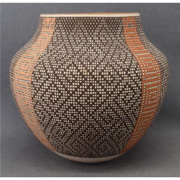 ACOMA INDIAN POTTERY JAR ( FREDERICA ANTONIO)