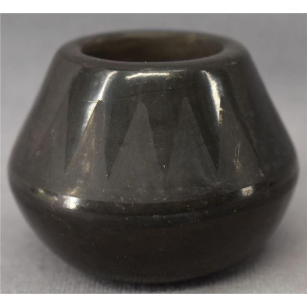 SAN ILDEFONSO INDIAN POTTERY JAR (BLUE CORN )