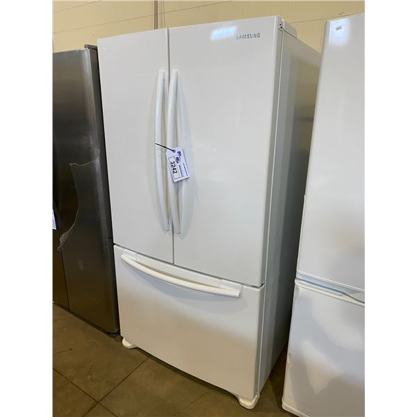 SAMSUNG FRENCH DOOR FRIDGE MODEL RF263AFWP VISIBLE DAMAGE