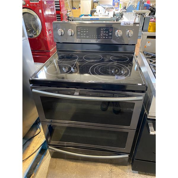 SAMSUNG INDUCTION STOVE WITH CONVECTION OVEN