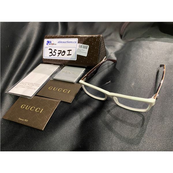 NEW WITH CASE GUCCI WHITE + BLACK FRAME GLASSES