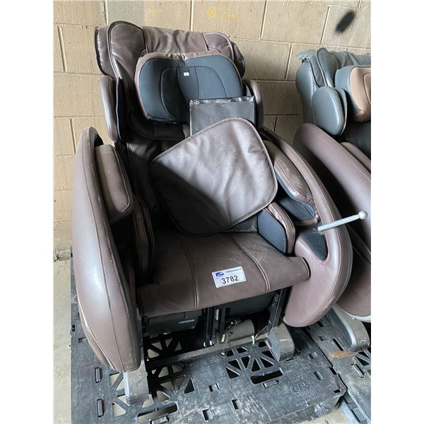 MASSAGE CHAIR IN NEED OF REPAIRS