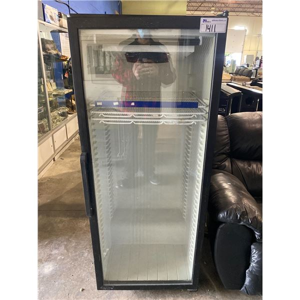 COMMERCIAL GLASS DOOR REFRIGERATOR MODEL DC12HB 115V NON WORKING ORDER