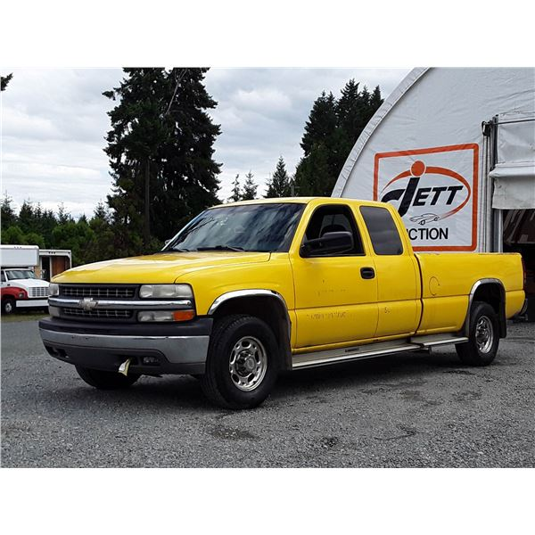 G5 --  2000 CHEVROLET SILVERADO 2500 EXT CAB , Yellow , 257544  KM's