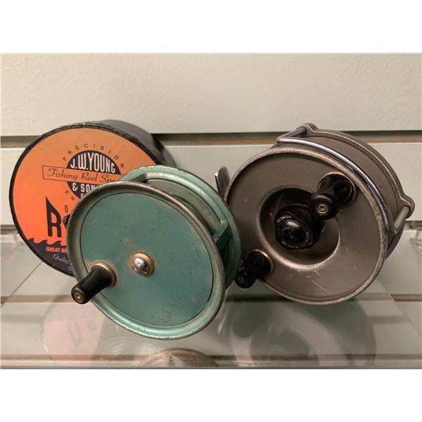 2 JW Young & Sons fishing reels Windex & Condex - Condex w/ original box