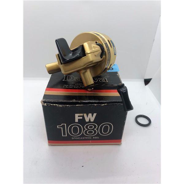 Daiwa FW1080 spin-casting reel w/ orginal box