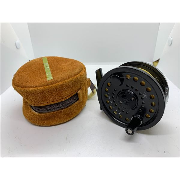 Scientific angler System 2 model 78L fly reel w/case #7/8