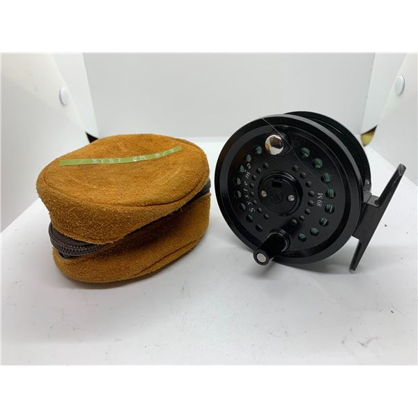 Scientific angler System 2 model 89M fly reel #8/9 w/case