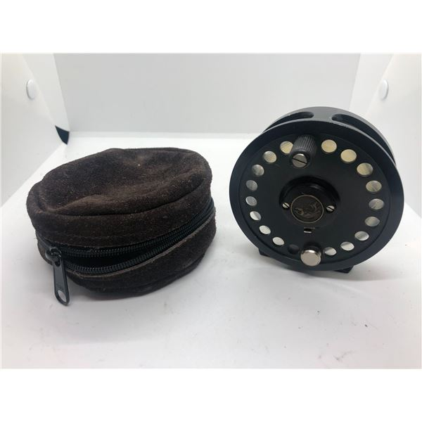 Cassette 567 & 8 fly reel w/case made in argentina