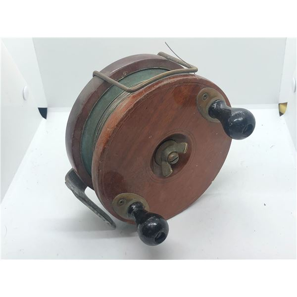 "Peetz vintage classic wooden 6"" fishing reel w/ depth counter"