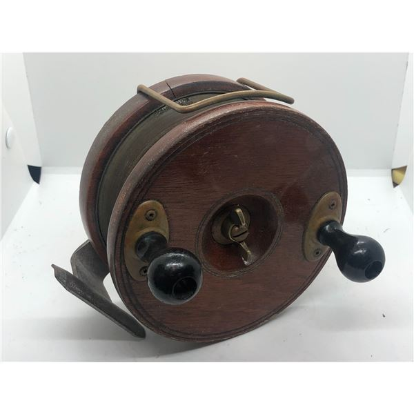 "Peetz vintage classic wooden 6"" fishing reel w/ depth counter"