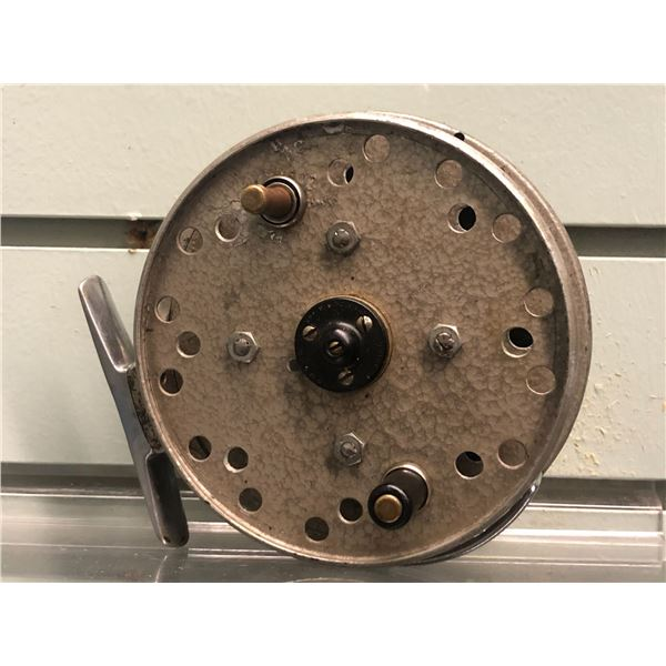 Grice & Young avon royal supreme center pin reel (one handle missing)