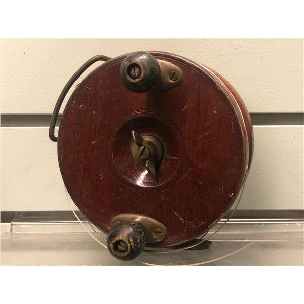 Peetz vintage classic wooden 5  fishing reel