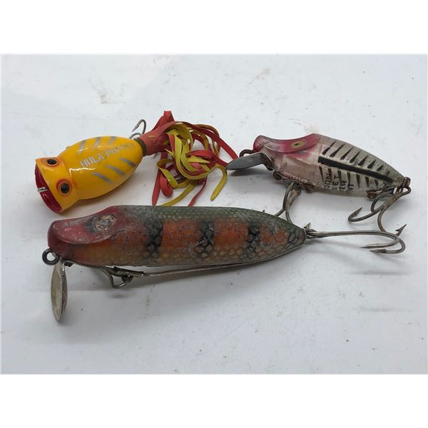 3 Vintage fishing lures - Hula Popper/Heddon Midget river runt & no stamp