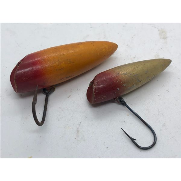 2 Vintage wooden fishing lures - No Markings