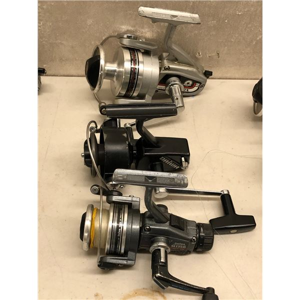3 Vintage assorted Daiwa spinning reels