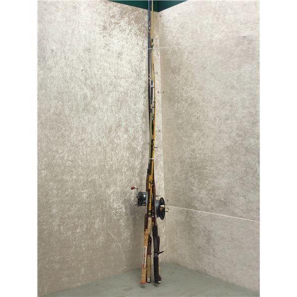 Bundle of 6 assorted fishing rod & 2 reels