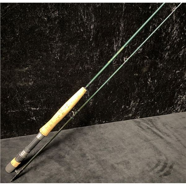 Dragonfly graphite model DF95 - 9 Ft fly rod w/ brown tube rod case