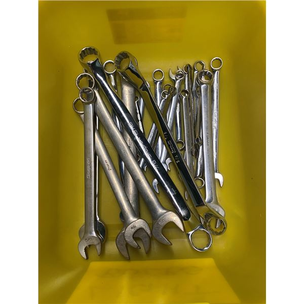 24 snap on assorted combination wrenches (metric & imperial)