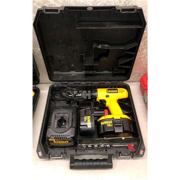 DeWalt 18 volt cordless drill set w/ two batteries & charger