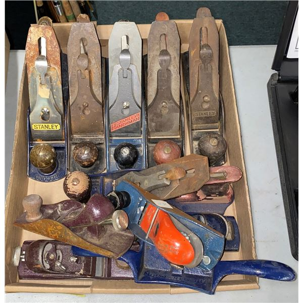 Group of assorted wood planes approx. 11