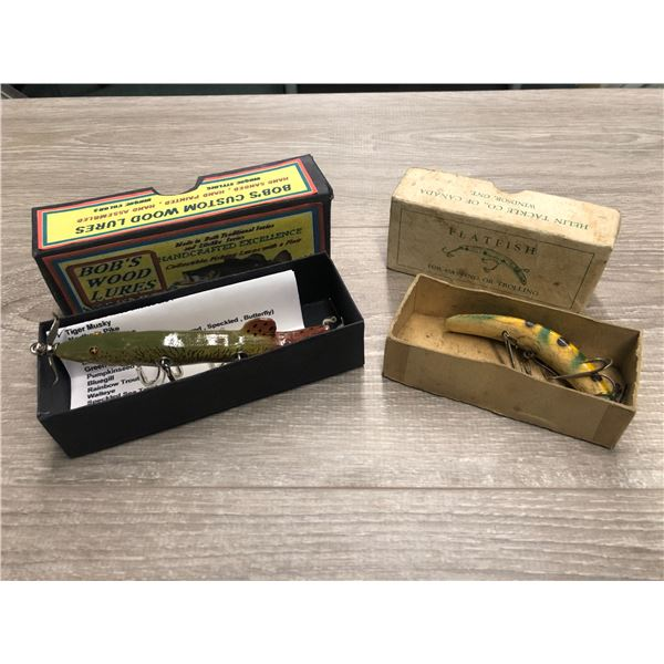 2 Vintage fishing lures w/ original box - bobs wood lures & helin tackle company flat fish