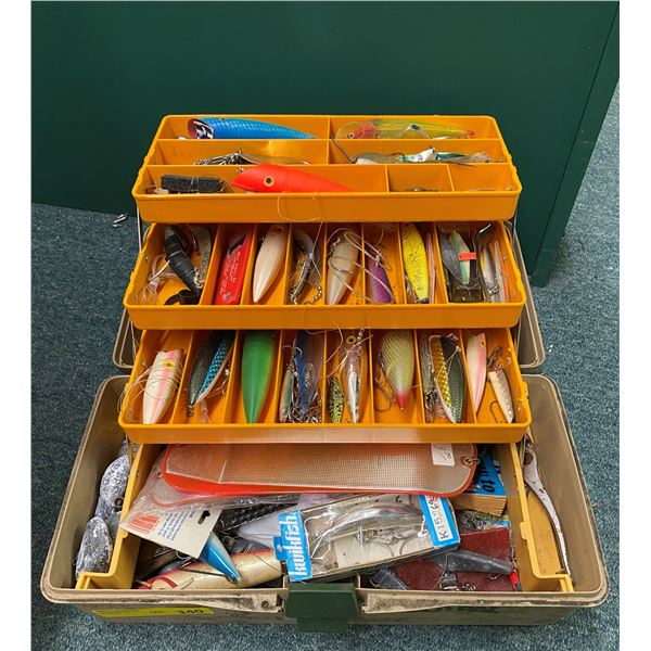 Old Pal tackle box & contents (mostly ocean tackle)