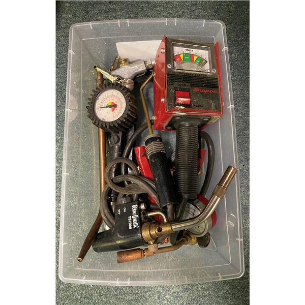 Box of mechanics accessories - Snap-On battery tester/ Bluepoint alternator current indicator/ Bernz