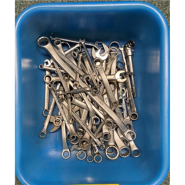 Box of approx. 50 assorted brands combination wrenches