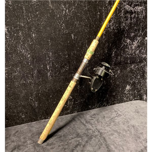 """Wright & McGill """"North West Special"""" spinning rod w/ Mitchell 302N reel"""