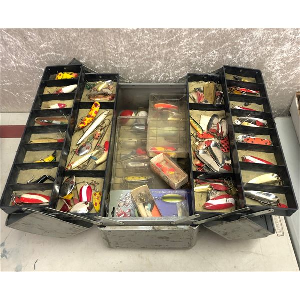 Vintage watertite tackle box & content (mostly fresh water tackle)