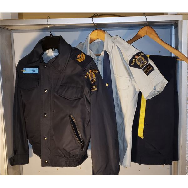 RCMP Patrol uniform. 1996 Axillary Sargent. Complete with jacket, pants,shirt, tie and with 10 year