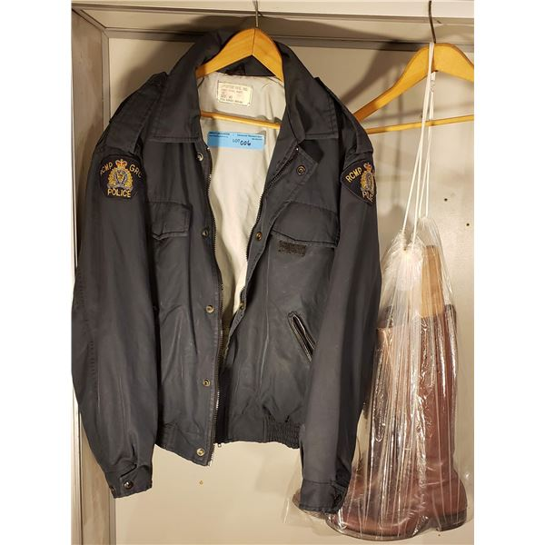 RCMP Female RCMP size 40 1992 police patrol jacket w/ pair of Female RCMP boots (Size 40)