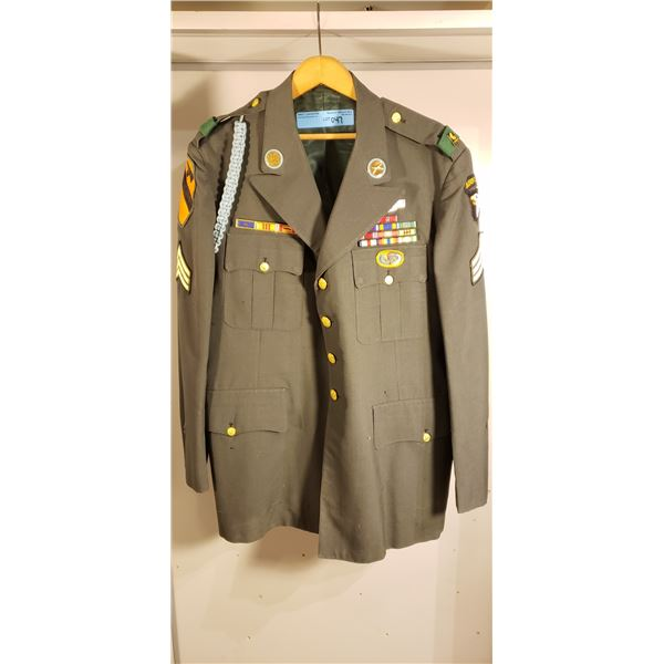 Vietnamese officers tunic, Airbourne, air cavalry, purple heart
