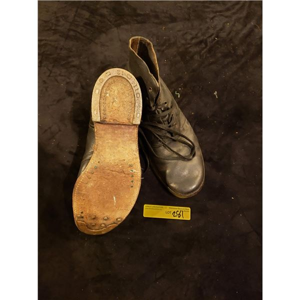 WWII Canadian  WWII Canadian used size 13D